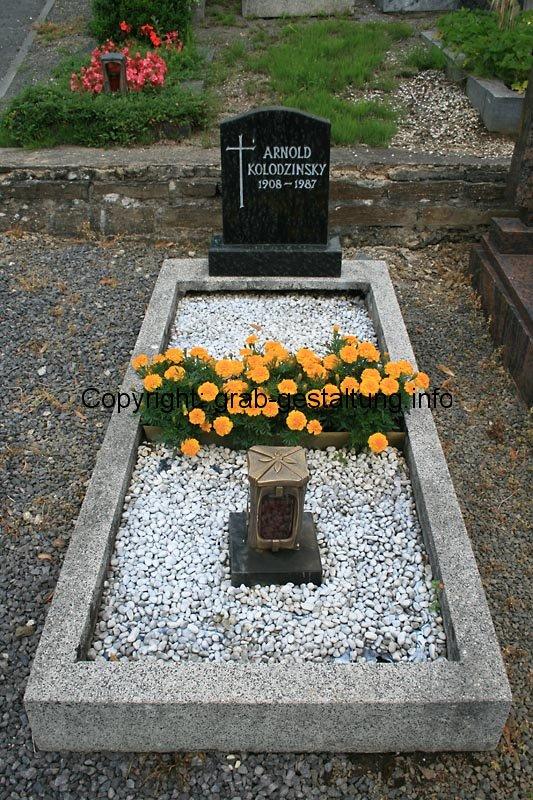 Top ▷ Grabgestaltung mit Kies: Kies für schöne Gräber nutzen - so gehts #TD_82