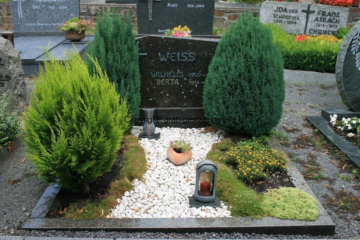 Fabelhaft ▷ Grabgestaltung mit Kies: Kies für schöne Gräber nutzen - so gehts @JM_44
